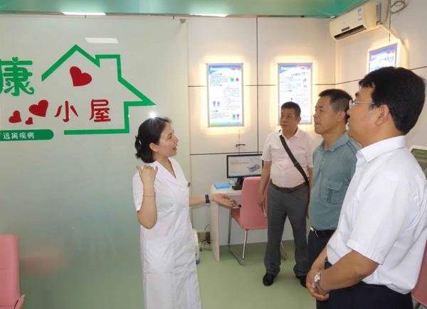 广西贺州市卫计局参观金台区健康一体机